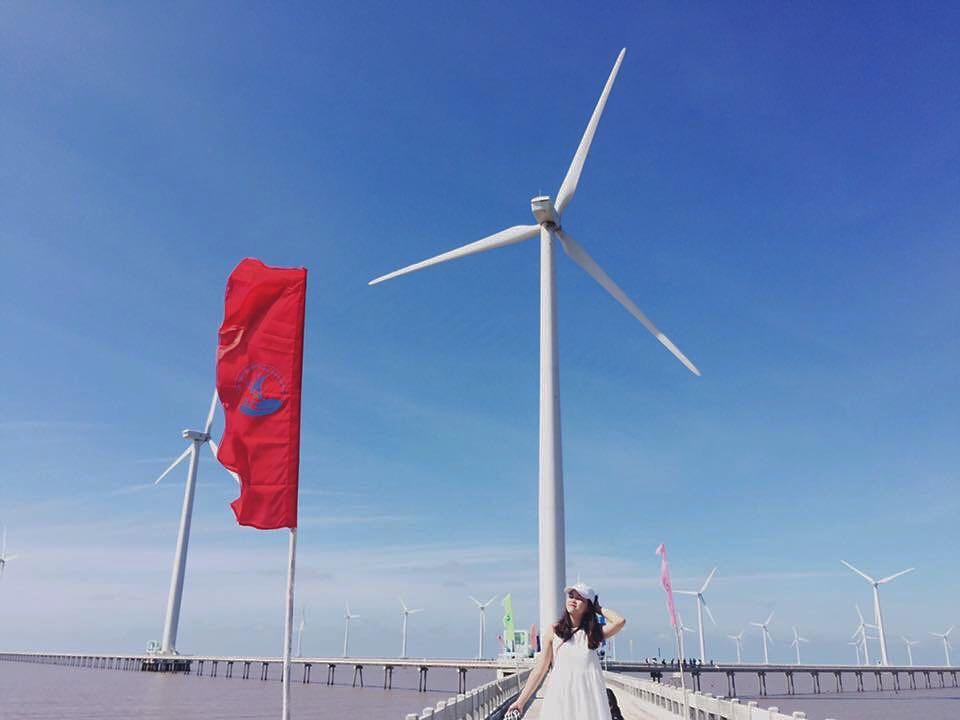 Chụp ảnh tại Cánh đồng quạt gió