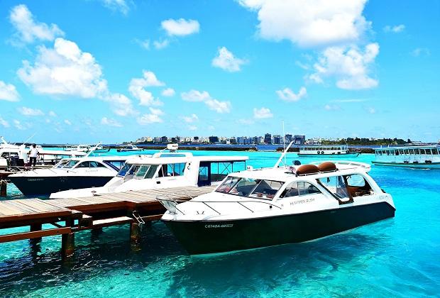 Tàu cao tốc ở Maldives