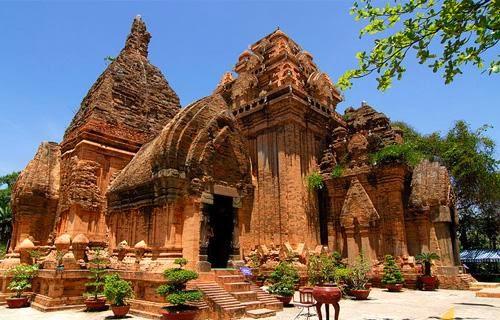 Tháp Poshanu Mũi Né
