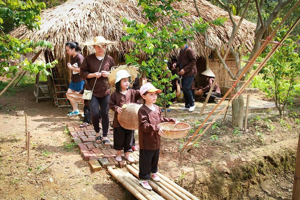 Lớp học sinh tồn ở Bản Rõm