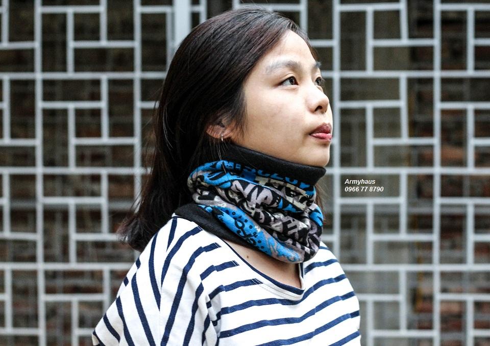 Cách sử dụng khăn đa năng làm khăn quàng cổ